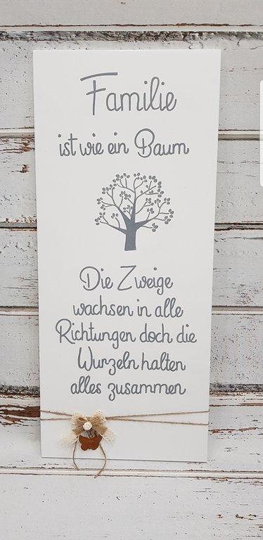 Schild Familie ist wie ein Baum.. die Wurzeln halten alles zusammen